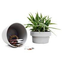 Plant Pot Hideaway