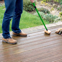 Telescopic Wire Decking Bush & Cleaner