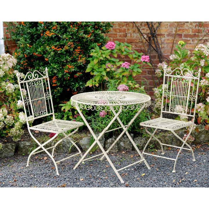 Old Rectory Round Table And 2 Folding Chairs   Cream