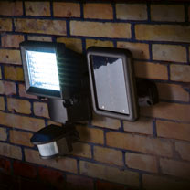 Black Solar Security Light with Motion Sensor - 400 lumens