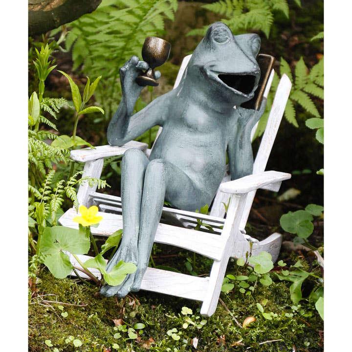 Metal Drinking Frog / Metal Reading Frog