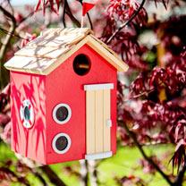Birdhouse - Bayside Beach Hut Red