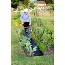 An instant fold-out pathway, ideal for placing between rows of vegetables, fruit, herbs or flowers. Tough outer weed barrier stops weeds from growing